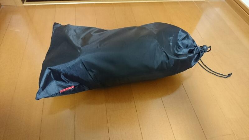 Fieldoorのレインブーツ:袋に収納した状態