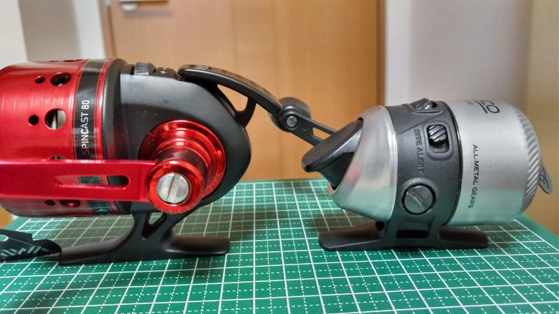 14スピンキャスト80とゼブコ33マイクロ クラッチボタン比較